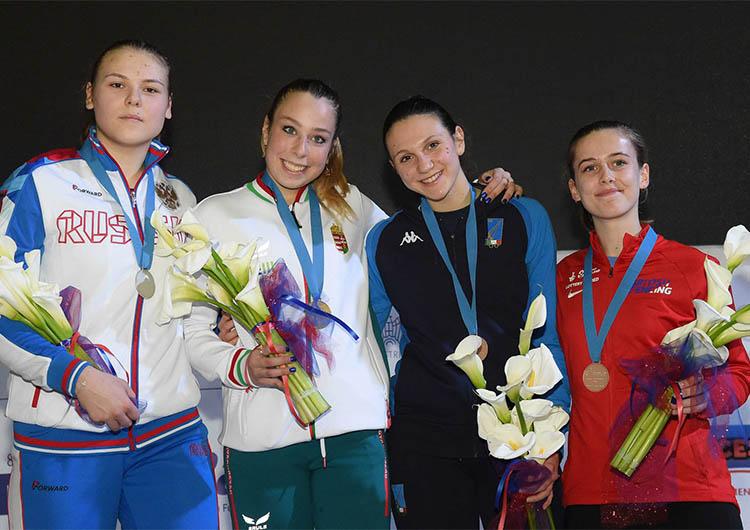 На первенстве Европы по юниорам Михайлова Алина завоевала серебряную медаль!