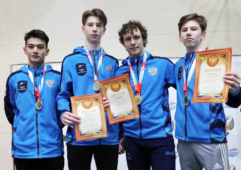ПР-2020 среди кадетов. Победителями командного турнира саблистов стали новосибирцы