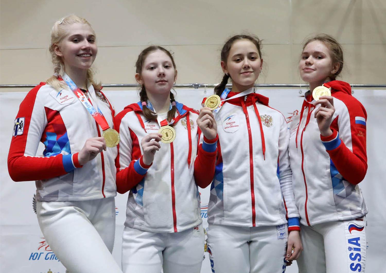 ПР-2020 среди кадетов. Турнир завершился победой саблисток Новосибирска