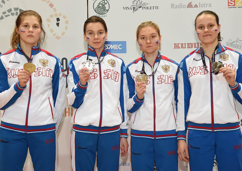 ПЕ-2020 среди юниоров. У команды саблисток – «серебро»